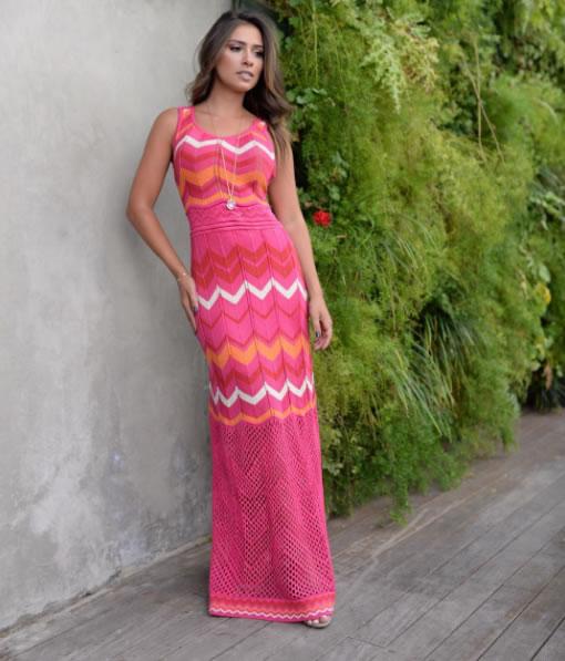 Gabriella Lenzi veste Galeria Tricot Vestido Rendado Zig - lookdodia.com