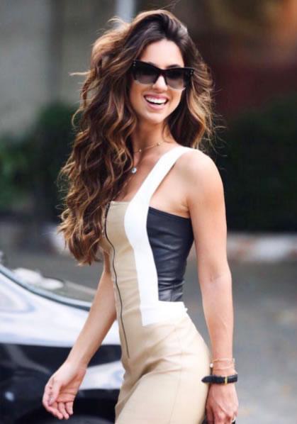 Luiza Sobral veste Dress&Co Vestido de Couro Raisa - Look do dia - lookdodia.com