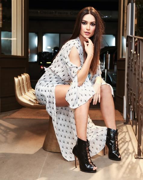 Thaila Ayala veste Vestido Yrus Seda BOBO - Look do dia - lookdodia.com