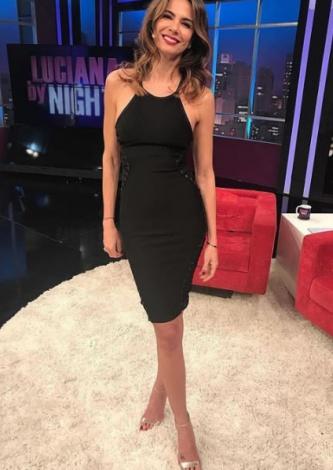 Luciana Gimenez veste TIG - Vestido Bandagem Ilhos - Look do dia
