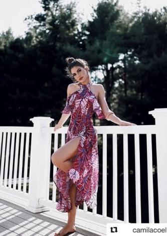 Camila Coelho veste Damyller Vestido Midi com Babados - Look do dia - lookdodia.com