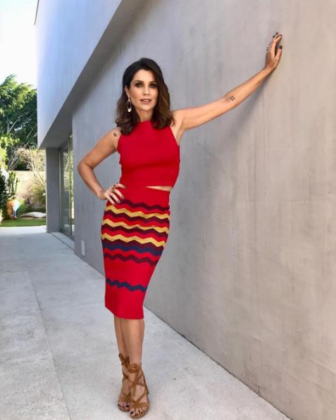 Flavia Alessandra veste nkstore Saia Rose Vermelha - Look do dia - lookdodia.com-02