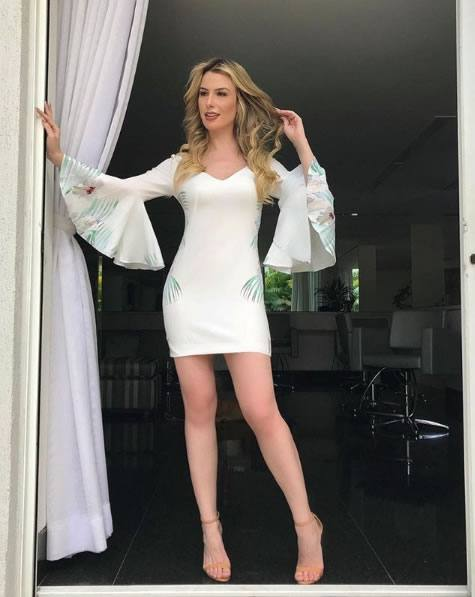 Fernanda Keulla veste TVZ Vestido Shaded Foliage - Look do dia - lookdodia.com