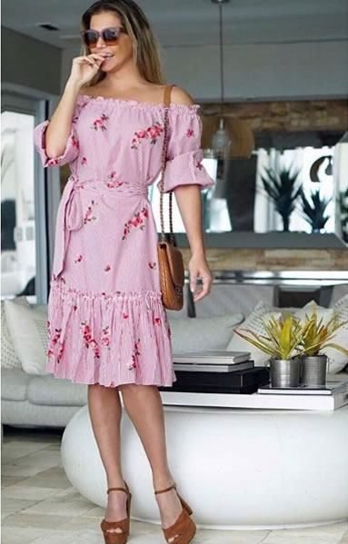 Deborah Secco veste Amissima Vestido Listras Callais - Look do dia - lookdoddia.com