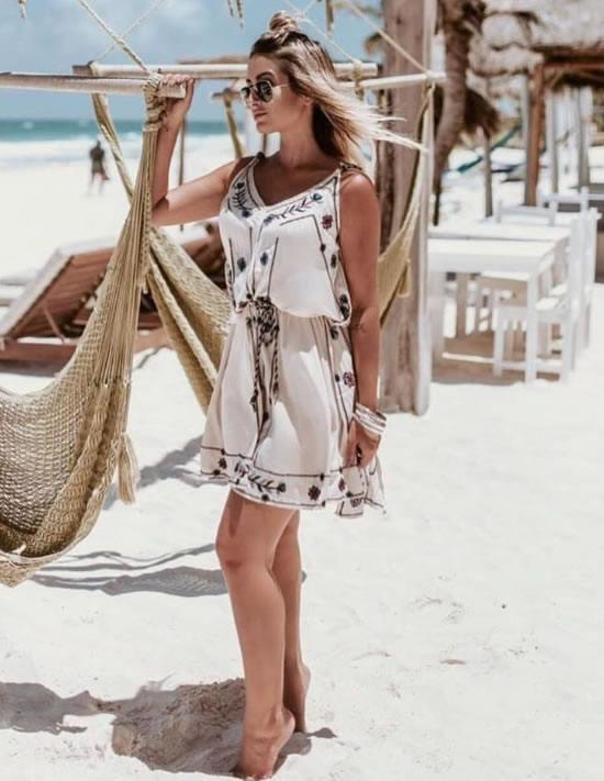Look do dia Vestido Bordado Nude - Bruna Garcia - lookdodia.com