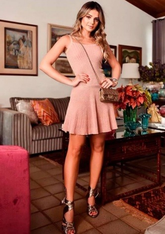 Thassia Naves veste Galeria Tricot Vestido Rosa Night - Look do dia - lookdodia.com-04