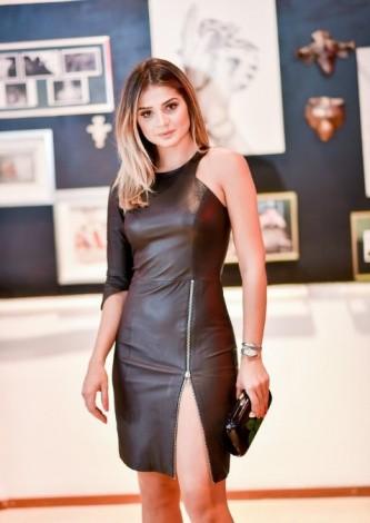 Thassia Naves veste Liziane Richter Vestido de Couro Preto - Look do dia - lookdodia.com