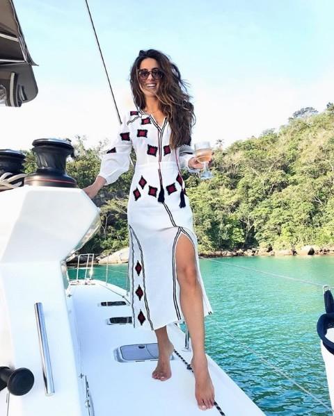 Luiza Sobral veste Canal Concept Vestido Bordados Tassel - Look do dia - lookdodia.com