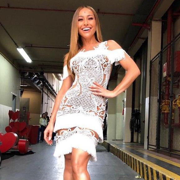 Sabrina Sato veste PatBO Vestido Branco Reveillon - Look do dia - lookdodia.com