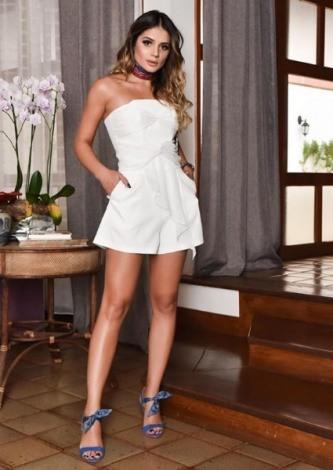 Thassia Naves veste Skazi Macaquinho Decote Cruzado - Look do dia - lookdodia.com