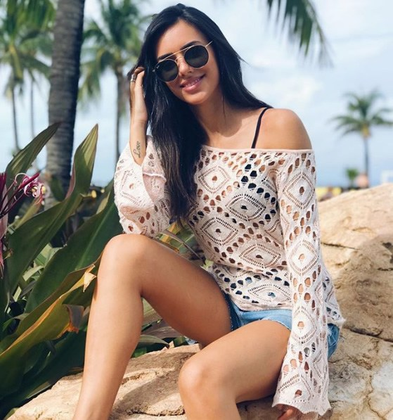 Bruna Biancardi veste Zinco Blusa de Tricot Rendada - Look do dia - lookdodia.com