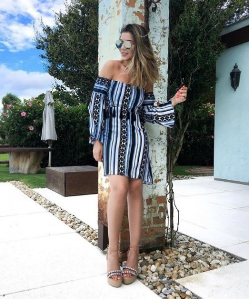 Paula Feijo veste Ton Age Vestido Stripes Blue Black - Look do dia - lookdodia.com