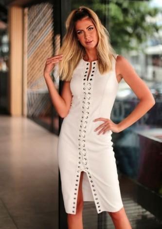 Hannah Cecchetto veste DresseCo Vestido de couro Laura - Look do dia - lookdodia.com