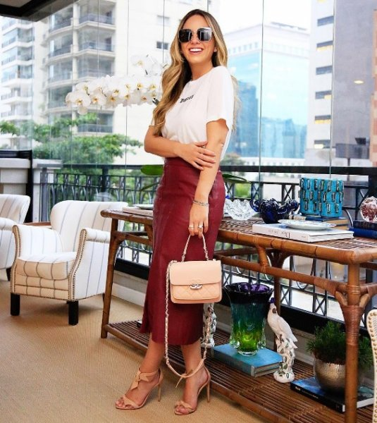 Lele Saddi veste Amissima Saia Vermelha de Couro - Look do dia - lookdodia.com