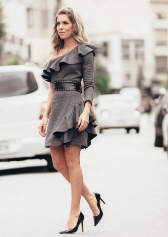 Samara Checon veste Blessed Store Vestido Madonna Cinto - Lookdodia - lookdodia.com