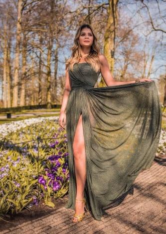 Thassia Naves veste Maracuja Vestido Fio Dourado - Look do dia - lookdodia.com