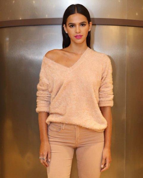 Bruna Marquezine veste Le Lis Blanc - Blusa Ana Tricot Salmão - Lookdodia - lookdodia.com