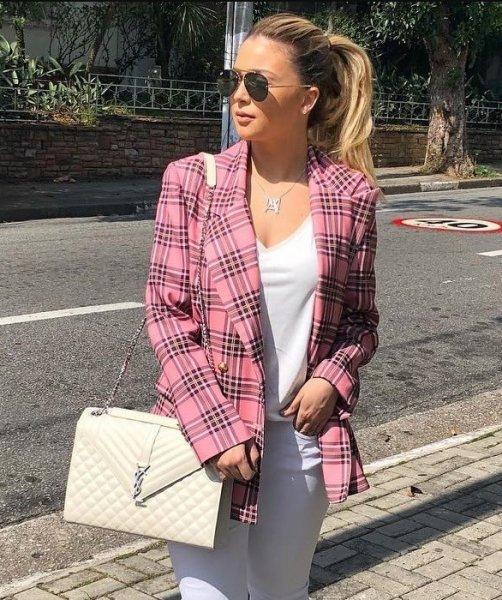 Ananda Veronez veste Amissima - Blazer Xadrez Rosa - Lookdodia - lookdodia.com
