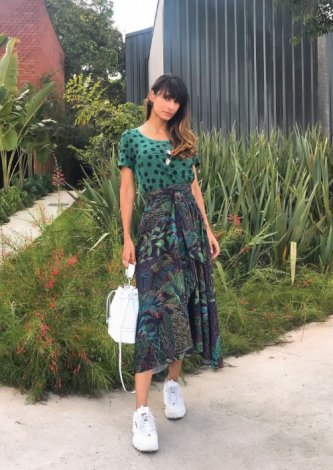 Saia Midi Floresta Linhas — Look do dia Rafaela Ramallo