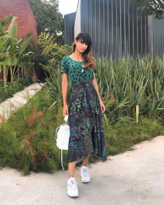 Saia Midi Floresta Linhas — Look do dia Rafaela Ramallo