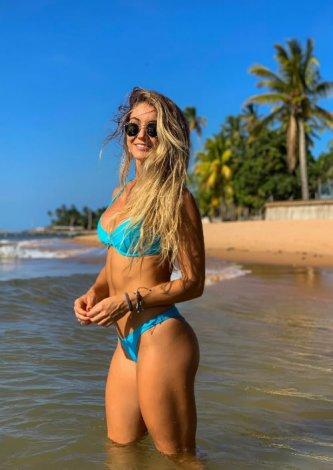 Biquini Bardot Turquesa — Look do dia: Gabriela Bahia