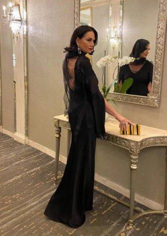 Vestido-Longo-com-Decote-nas-Costas-Gloria-Coelho-Look-Luiza-Brunet